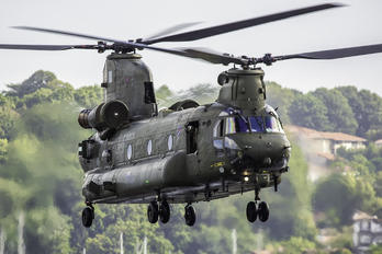 ZA682 - Royal Air Force Boeing Chinook HC.2