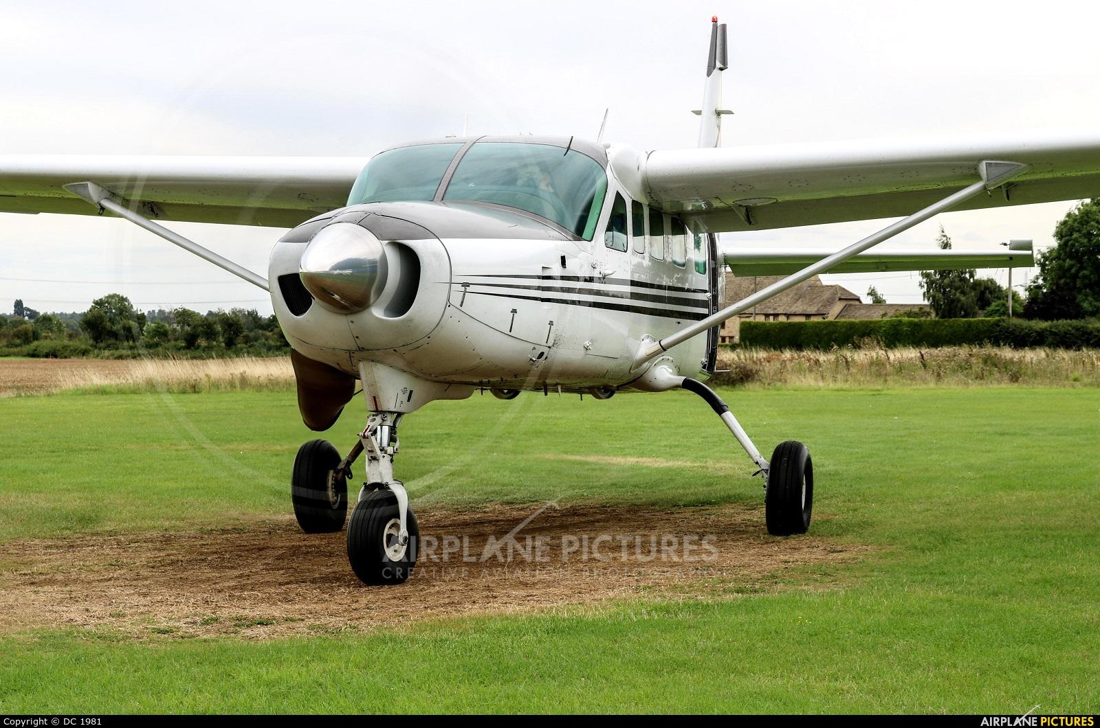 Private N208AX aircraft at Sibson