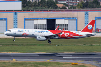 B-1663 - Sichuan Airlines  Airbus A321