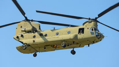 13-08432 - USA - Army Boeing CH-47F Chinook