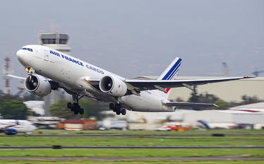 32966 - Air France Cargo Boeing 777F