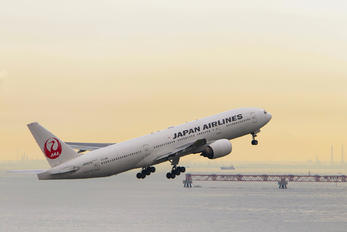JA8979 - JAL - Japan Airlines Boeing 777-200