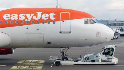 G-EZOR - easyJet Airbus A320