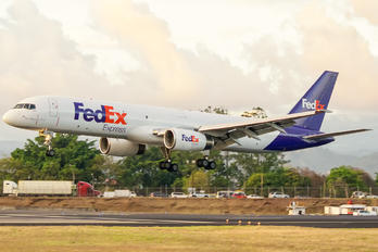 N926FD - FedEx Federal Express Boeing 757-200F
