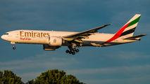 Emirates SkyCargo B777 visits Madrid  title=