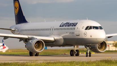 D-AIUZ - Lufthansa Airbus A320