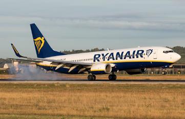 EI-FRM - Ryanair Boeing 737-8AS