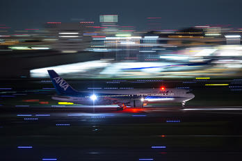 JA612A - ANA - All Nippon Airways Boeing 767-300