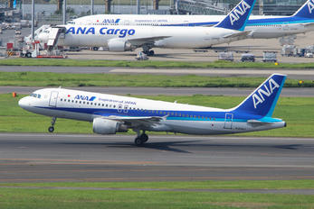 JA8947 - ANA - All Nippon Airways Airbus A320