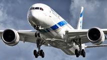 First flight of El Al 787-9 Dreamliner to London title=