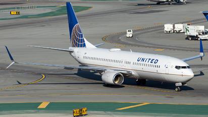 N37287 - United Airlines Boeing 737-800