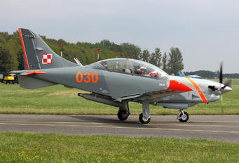"030 - Poland - Air Force ""Orlik Acrobatic Group"" PZL 130 Orlik TC-1 / 2"
