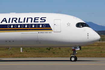 9V-SMM - Singapore Airlines Airbus A350-900
