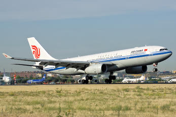 B-6132 - Air China Airbus A330-200