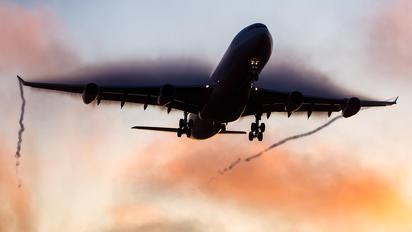 D-AIGV - Lufthansa Airbus A340-300
