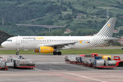 EC-LUN - Vueling Airlines Airbus A320 aircraft