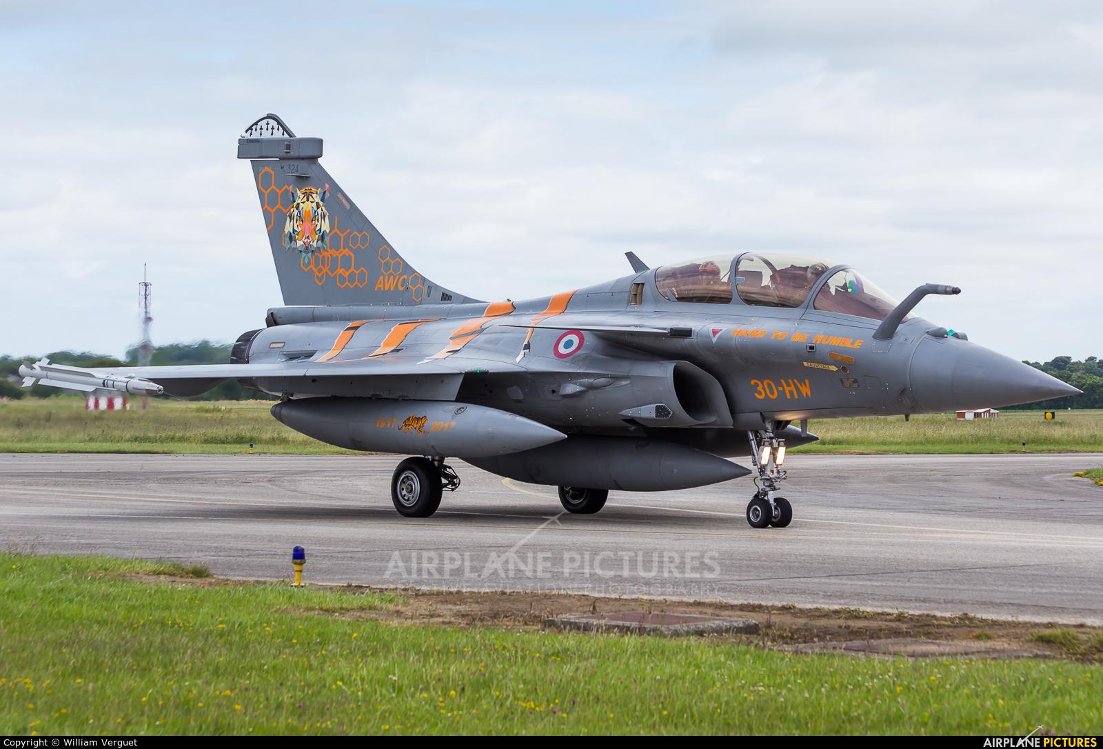 France - Air Force 324 aircraft at Landivisiau