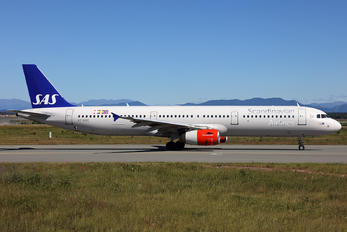 OY-KBE - SAS - Scandinavian Airlines Airbus A321