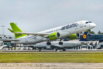 YL-CSB - Air Baltic Bombardier CS300
