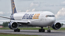 Atlas Air B763 visits Poznań title=