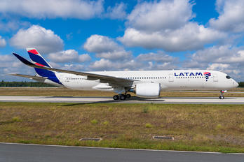 A7-AMA - LATAM Airbus A350-900
