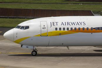 VT-JGK - Jet Airways Boeing 737-800