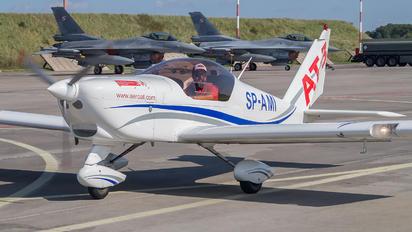 SP-AMI - 3AT3 Formation Flying Team Aero AT-3 R100