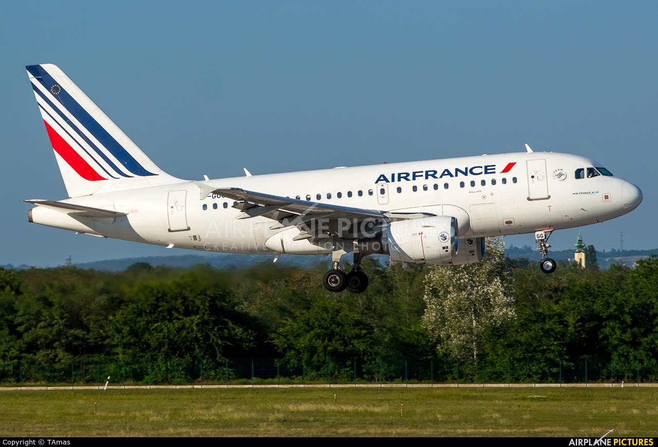 Air France F-GUGG aircraft at Budapest Ferenc Liszt International Airport