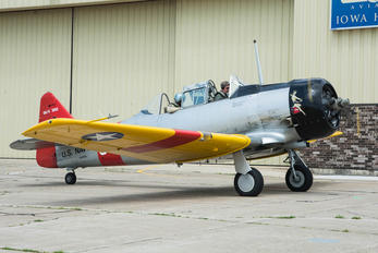 N7976A - Private North American Harvard/Texan (AT-6, 16, SNJ series)