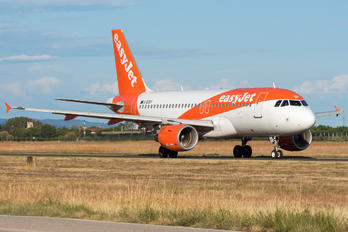 G-EZDY - easyJet Airbus A319