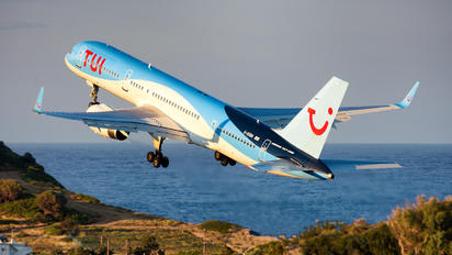 G-OOBN - TUI Airlines UK Boeing 757-200