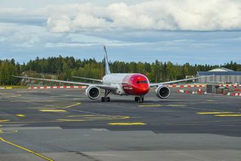 G-CJGI - Norwegian Air International Boeing 787-9 Dreamliner