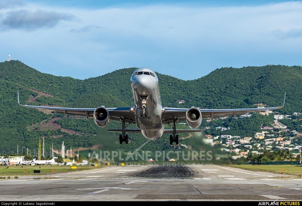 American Airlines N200UU aircraft at Sint Maarten - Princess Juliana Intl