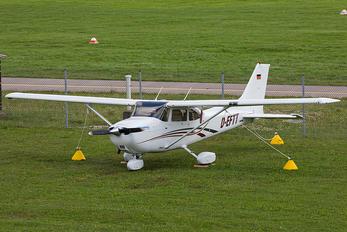 D-EFTT - Private Cessna 172 Skyhawk (all models except RG)
