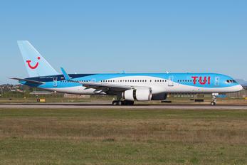 G-OOBH - TUI Boeing 757-200