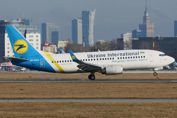 UR-GAH - Ukraine International Airlines Boeing 737-300