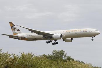 A6-ETE - Etihad Airways Boeing 777-300ER