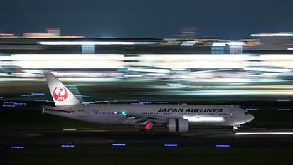 JA703J - JAL - Japan Airlines Boeing 777-200ER
