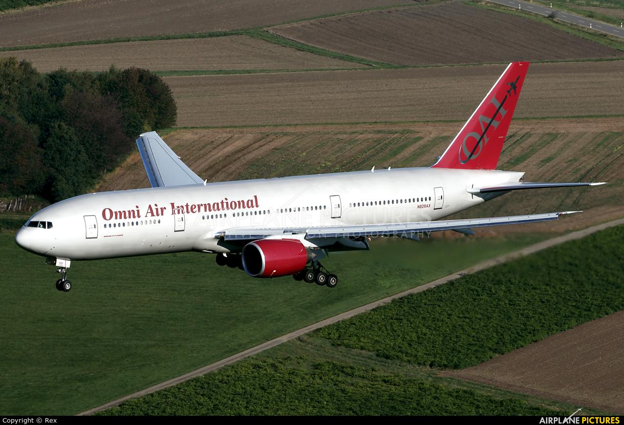 N819ax Omni Air International Boeing 777 2u8 Er
