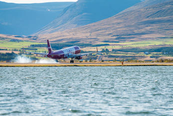 TF-DAD - WOW Air Airbus A320