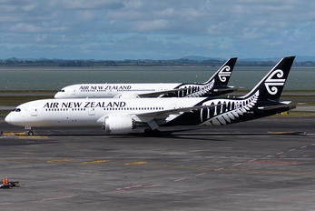 ZK-NZI - Air New Zealand Boeing 787-9 Dreamliner