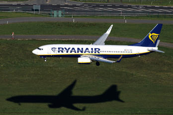 EI-FRX - Ryanair Boeing 737-8AS
