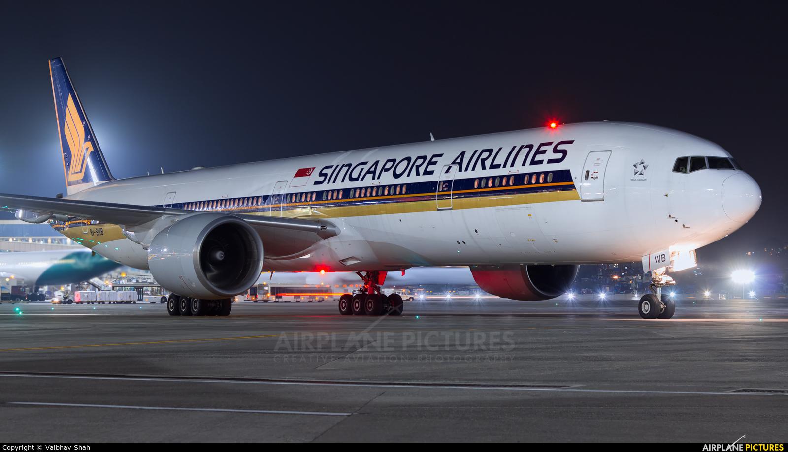 Singapore Airlines 9V-SWB aircraft at Mumbai - Chhatrapati Shivaji Intl