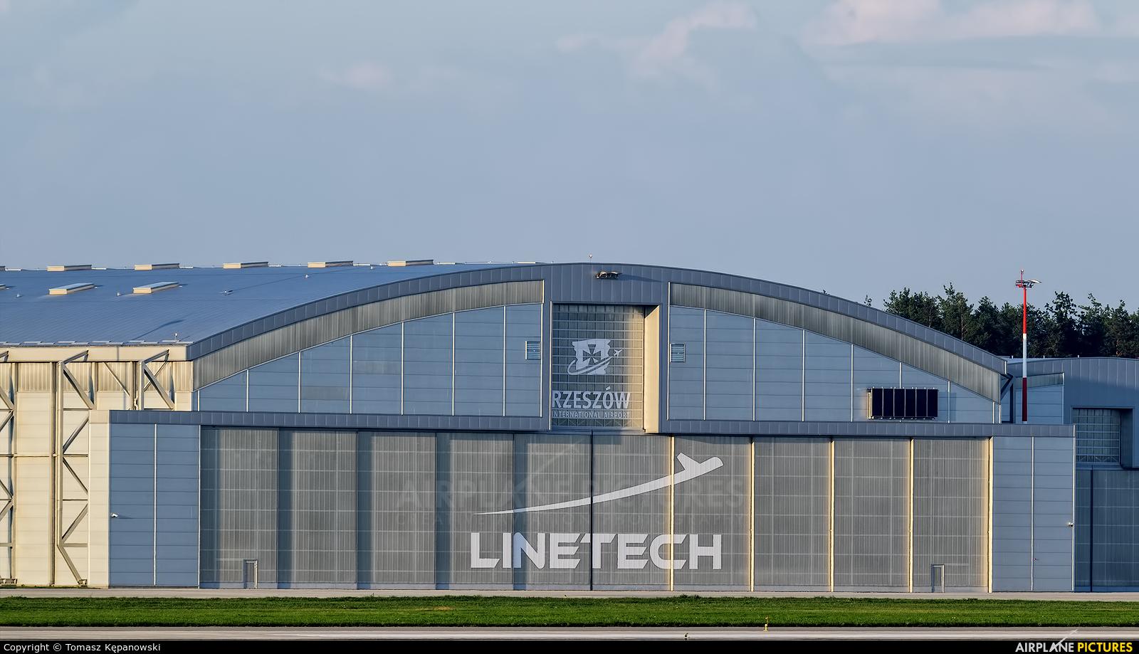 - Airport Overview - aircraft at Rzeszów-Jasionka