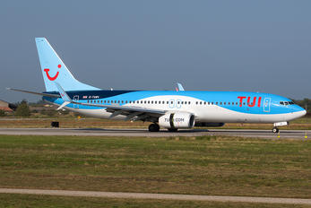 G-TAWV - TUI Airlines UK Boeing 737-800
