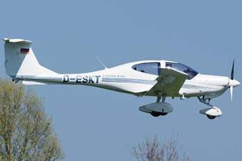 D-ESKT - Private Diamond DA 40 Diamond Star