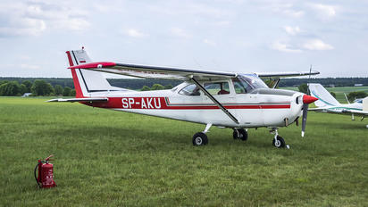 SP-AKU - Private Cessna 172 Skyhawk (all models except RG)