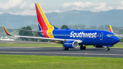 N7712G - Southwest Airlines Boeing 737-700