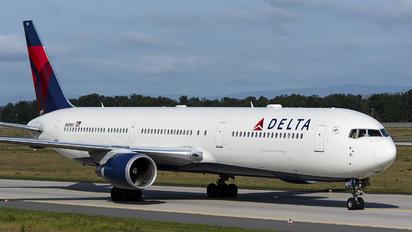 N839MH - Delta Air Lines Boeing 767-400ER