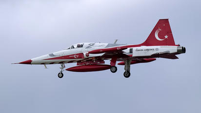 70-3052 - Turkey - Air Force : Turkish Stars Canadair NF-5A